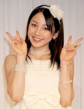 Yuu Kikkawa inicia su carrera como solista Img2011012609240566